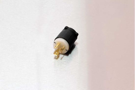 Picture of Century 15A-125V Twistlock Plug NEMA L5-15P